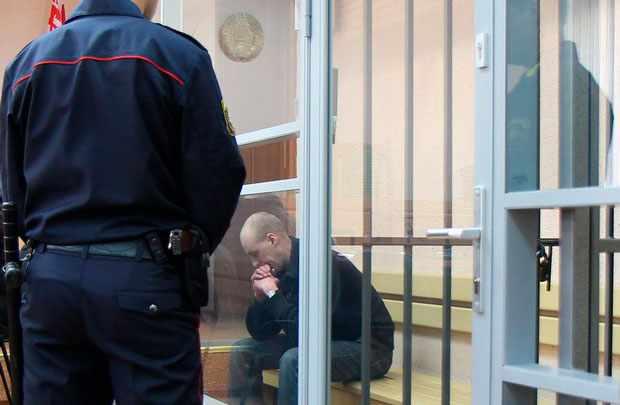 За что в Беларуси в 2017 году давали смертную казнь? Выколотые глаза, тела в лесу, живьем в могилу