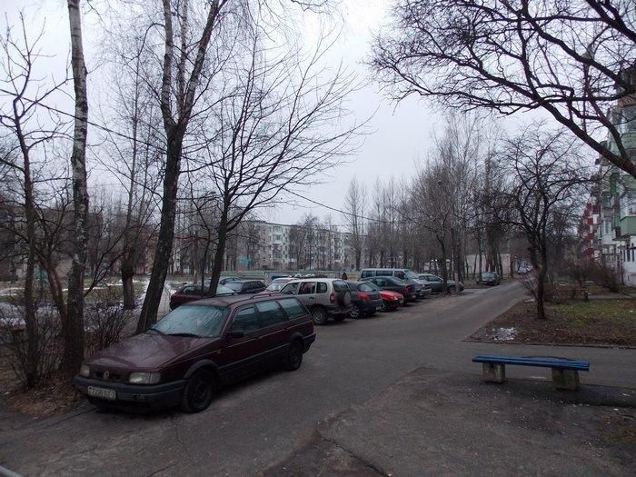 Витебск, дворик, автомобили