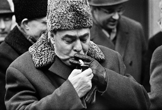Брежнев, курение, Корженевский