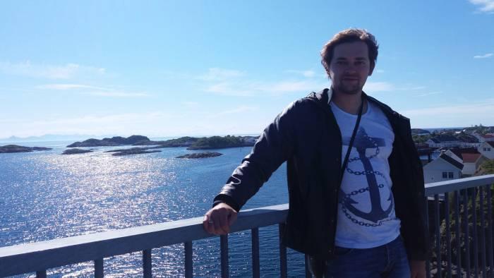 Экскурсовод: «В Таллине мы встретили мэра, который просто прошел мимо и поздоровался. Представляете у нас такое?»