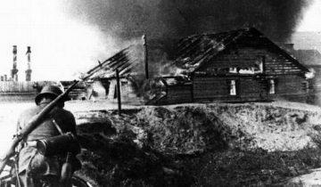 Гитлеровцы жгут деревню