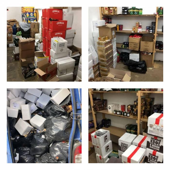 Кофе много не бывает. Житель Витебска хранил в гаражах около 6 тысяч упаковок кофе (видео)