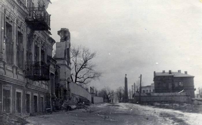 Анархисты, церковь с картин Марка Шагала и кладбище: 5 коротких фактов про улицу Путна