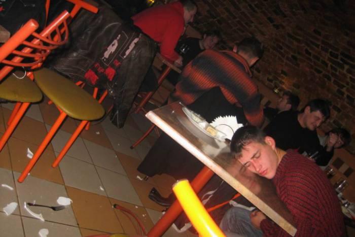 Вчера ночью в Рубе в кафе под Витебском отец и сын избивали посетителей