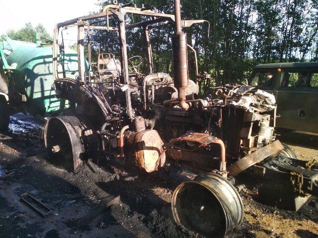 В Россонском районе пьяный тракторист ехал в горящем тракторе