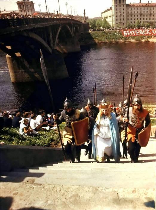 Княгиня Ольга, Марк Шагал и… Гитлер. Как отмечали День города раньше