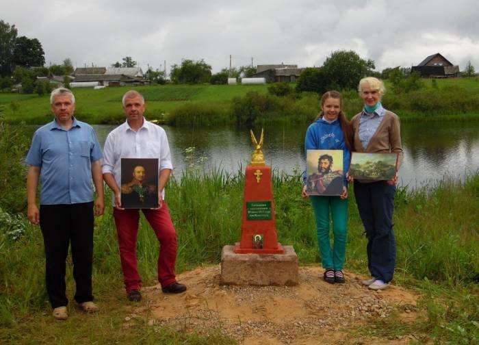 В Россонском районе силами краеведов Буховецких и местных жителей восстановили памятник героям войны 1812 года