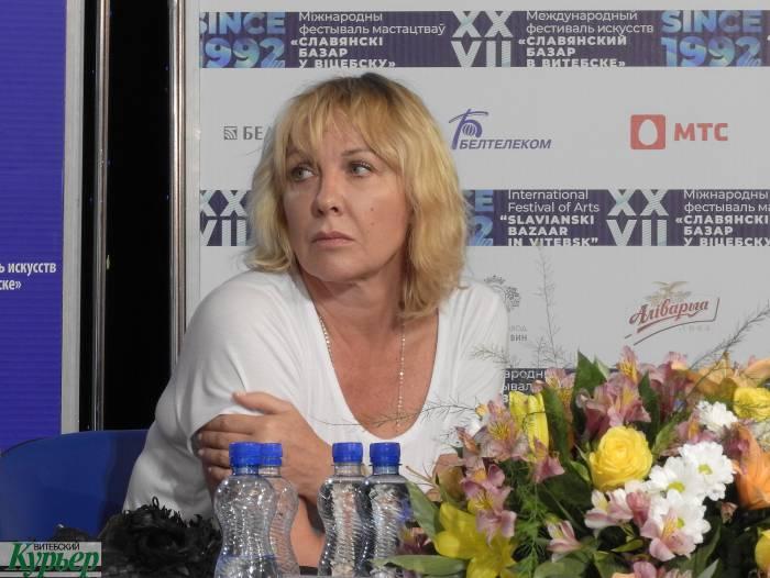Елена Яковлева: «Мне обидно за свою профессию. И если уж Бузова поет, то и я могу спеть»