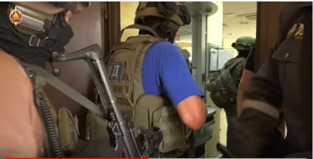 В Заславле в банке мужчина взял в заложники беременную женщину
