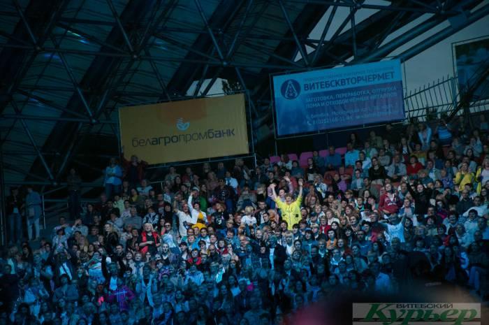 Как выглядят звезды 90-ых спустя 30 лет: ночной концерт на «Славянском базаре» глазами неискушенного зрителя