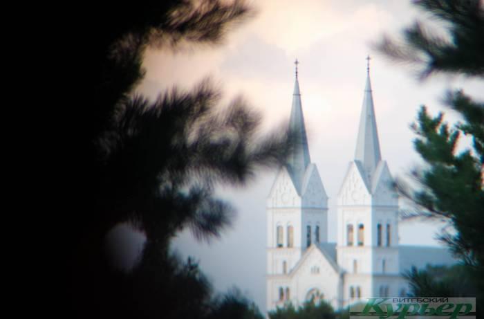 Где в Витебской области можно найти костел, похожий на замок из волшебной сказки