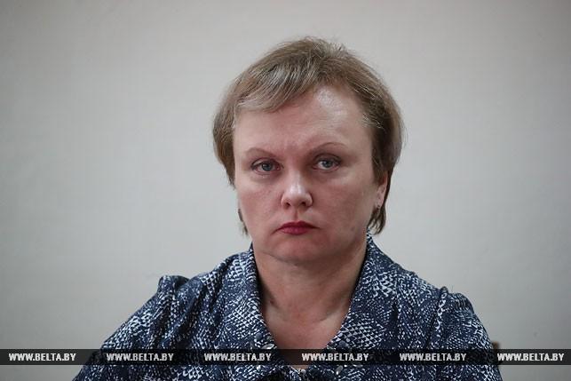 По подозрению во взятке задержана чиновница, объяснявшая причины поставки вакцины «Эупента» в Беларусь