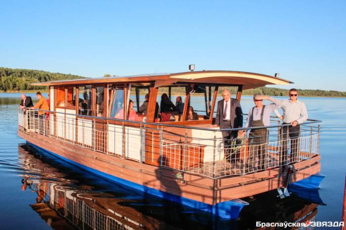 Национальный парк «Браславские озера» приобрел прогулочный катамаран
