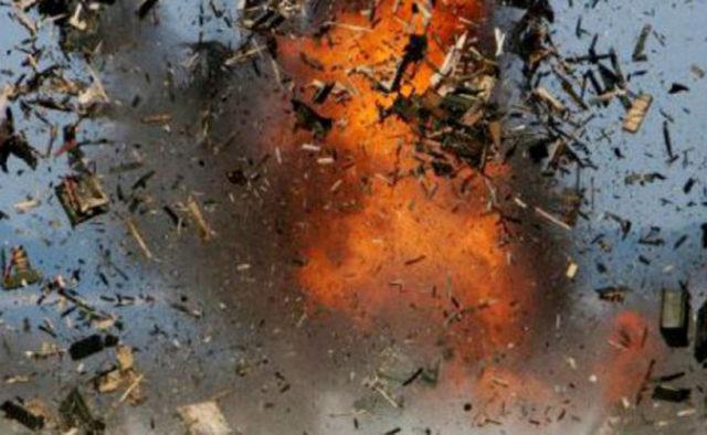 В Чашникском районе молодой мужчина поджег дом с сожительницей и ее ребенком. Произошел взрыв бензина