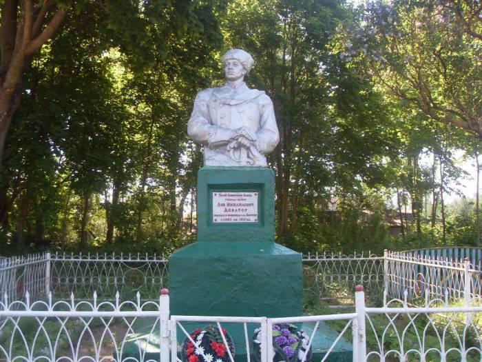 В Витебске казаки хотят поставить памятник Льву Доватору —  на коне и с шашкой наголо