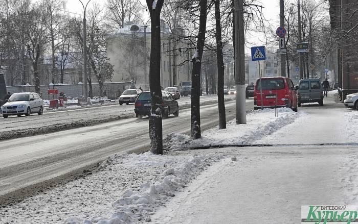 На тротуарах Витебска снова «аттракцион на выживание»