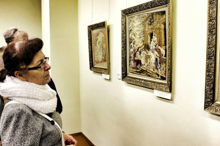 В витебском Музее истории частного коллекционирования открылась выставка дворянской вышивки XVIII-XIX веков