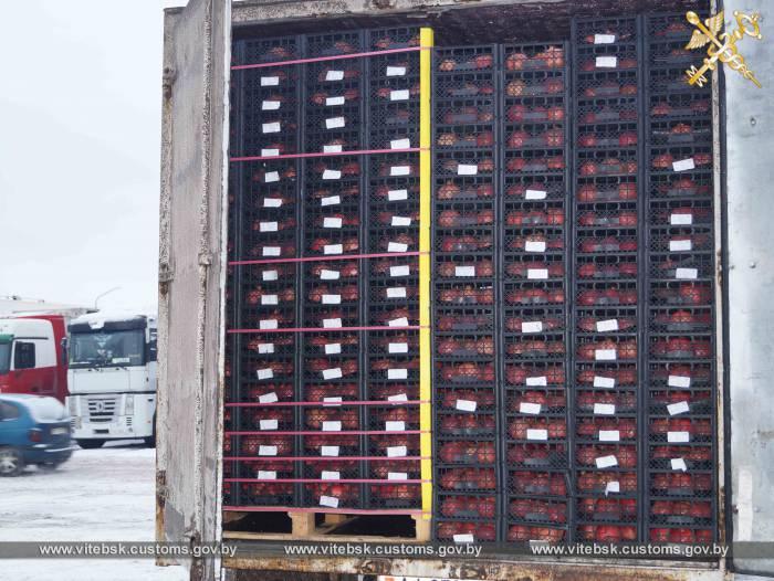 Витебские таможенники выявили попытку перемещения в Россию 8 тонн гранатов без фитосанитарного сертификата