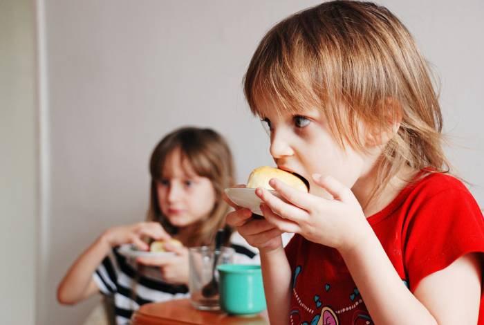 Сколько и как платят за питание в школах Витебска и Витебской области.