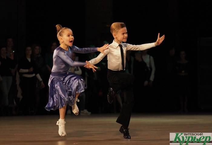 В Витебске завершился турнир по спортивным бальным танцам «Витебская снежинка-2019»