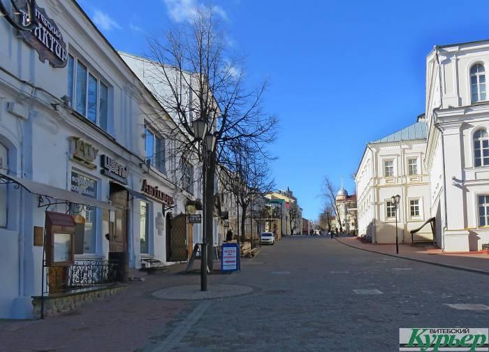 В Витебске снова строят летние террасы на улице Суворова. Сколько стоит установить такое сооружение и каким оно будет?