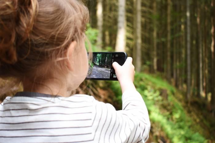 Как вы смотрите на то, что у ребенка в три года есть свой аккаунт в соцсетях? Спросили у витебских мам