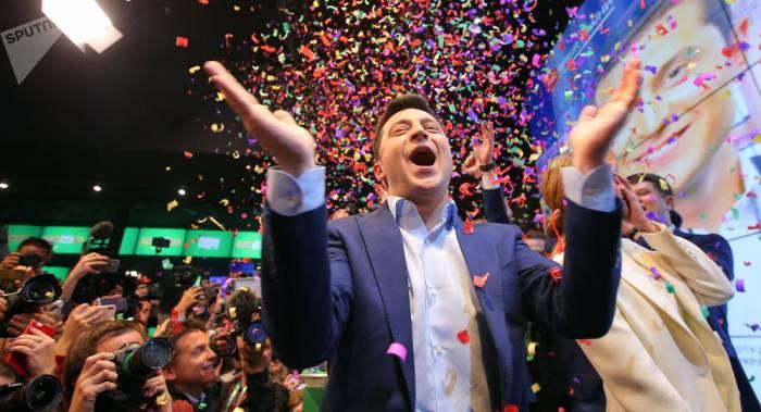 Зеленский рассказал, почему он смеялся над Лукашенко, и спросил про нераскрытое убийство Павла Шеремета
