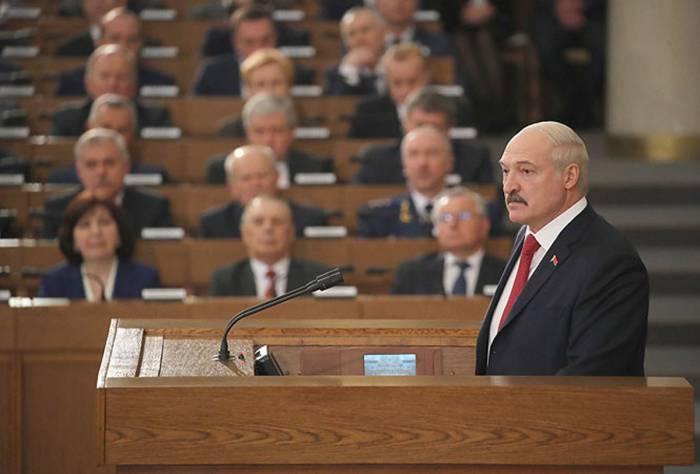 Александр Лукашенко: «Сажали и будем сажать», «заигрались в рынок и демократию»