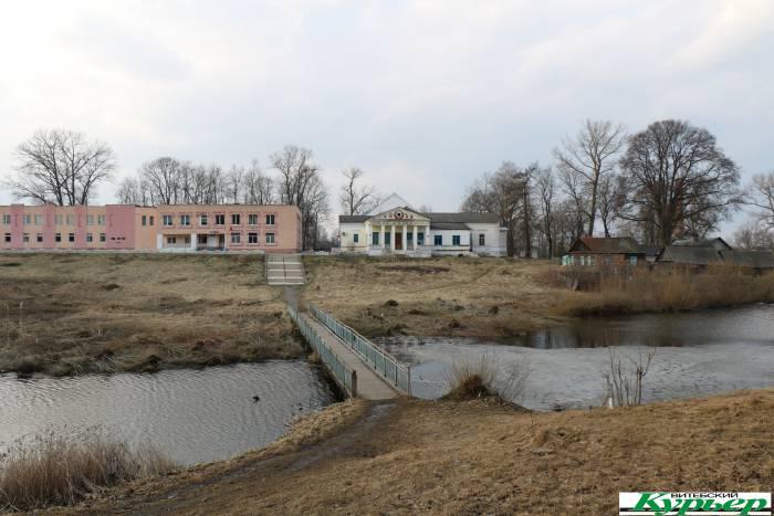 Межево — историческое место уникальной красоты. Как в Оршанском районе будут спасать памятник промышленной архитектуры от разрушения
