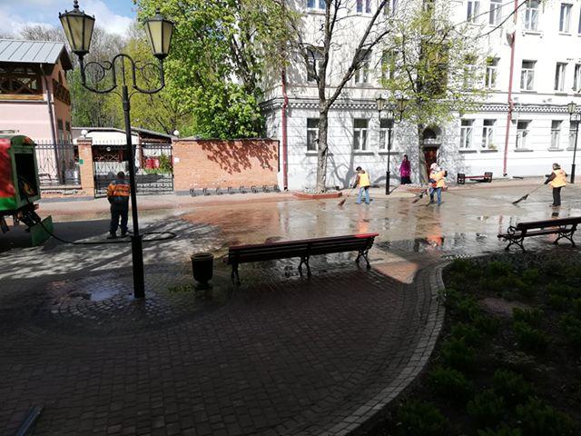 В Витебске помыли улицу Суворова
