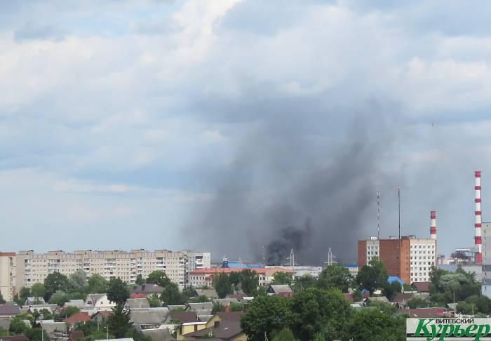 В Витебске на проспекте Фрунзе горело производственное здание
