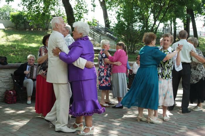 В воскресенье в Витебске «зажигали» представители старшего поколения