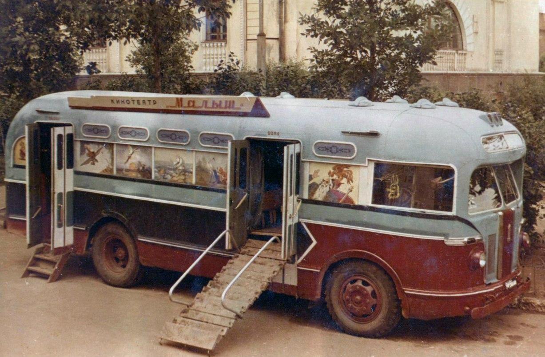 Как в 70-ых по Витебску ездил кинотеатр «Малютка», который ждали в каждом дворе. Рассказывают жители нашего города
