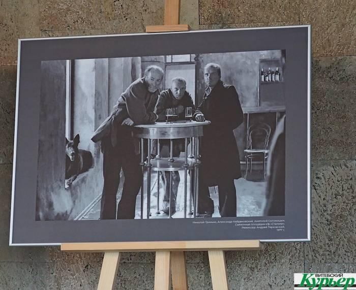 Олег и Филипп Янковские, Никита Михалков с сыновьями и другие знаменитости на выставке в концертном зале «Витебск»
