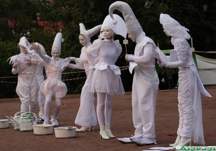 «Бумажные люди» в фестивальном Витебске