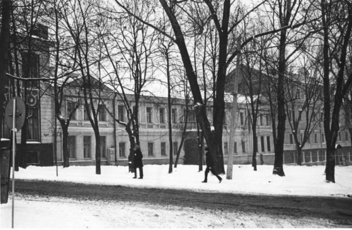 Дом на улице Маяковского, который стоит на месте древнего храма