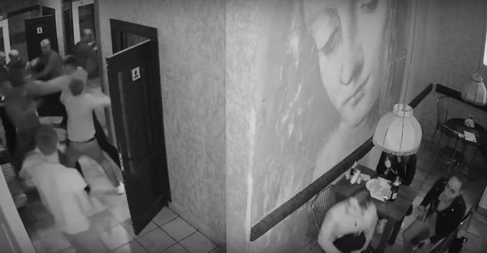 В Витебске разыскивают парней, которые дрались в кафе-клубе «Собрание»