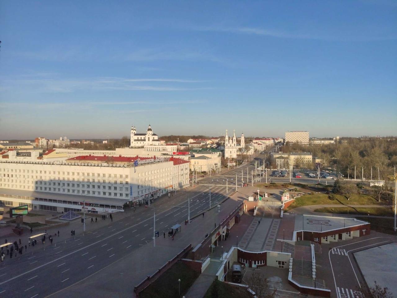 Александр Лукашенко прибыл с рабочей поездкой в Витебск. Жители в соцсетях активно обсуждают приезд высокого гостя