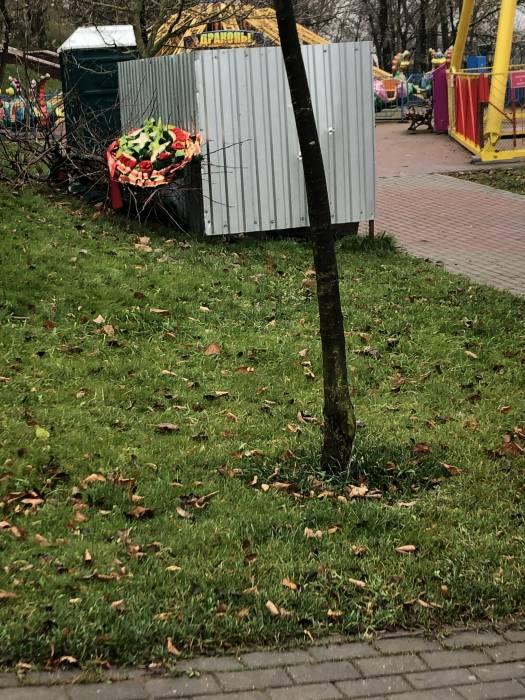 Ужас в Парке Победителей в Витебске. Память о десантниках и воинах-интернационалистах в мусорнице