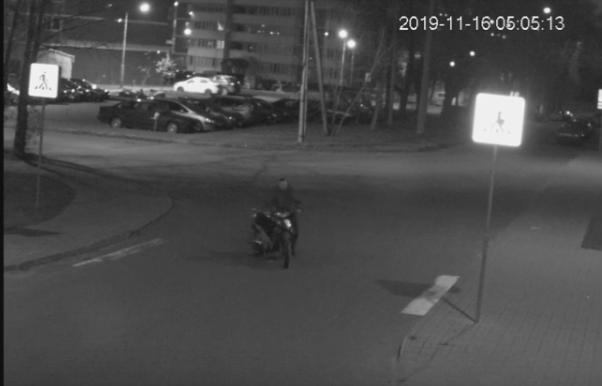 В Витебске разыскивают молодого человека, который украл скутер на улице Димитрова