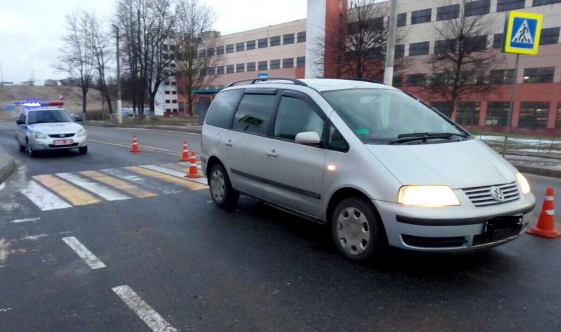 Volkswagen в Орше не уступил дорогу пешеходу. 70-летняя женщина в больнице