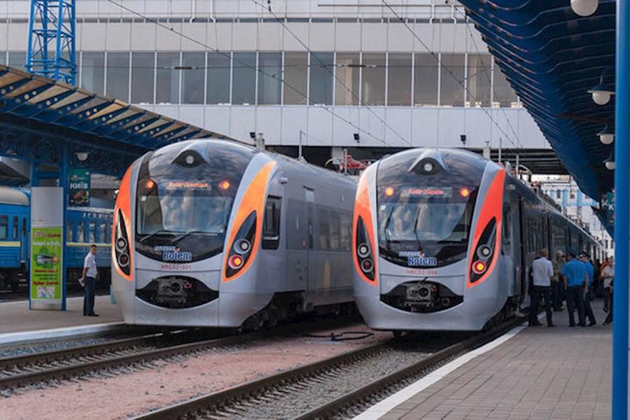 С 17 марта Украина прекращает железнодорожное сообщение с Беларусью