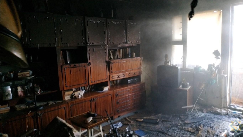 Пожар в многоэтажке в Полоцке: едва не погибли хозяин квартиры и его супруга