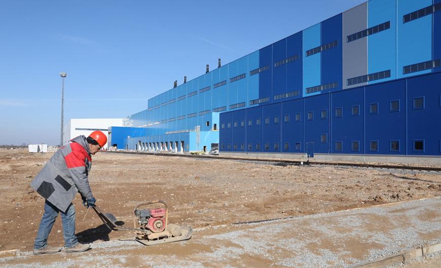 Румасу показали долго-дорого-строй в Миорском районе, завод который обошелся в 400 мнл евро