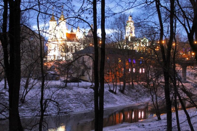 «Когда в Витебск приходит весна». Первая персональная выставка Юрия Шепелева открылась в Витебске