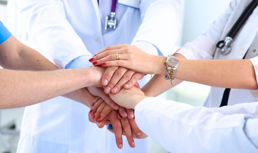 Медики Витебской области оказались на передовой в борьбе с COVID-19, им нужна наша помощь