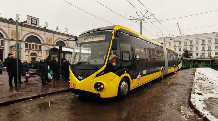 троллейбус, общественный транспорт