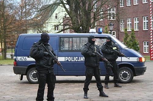 Польская полиция призвала преступников перестать нарушать закон во время пандемии коронавируса, а после — продолжить