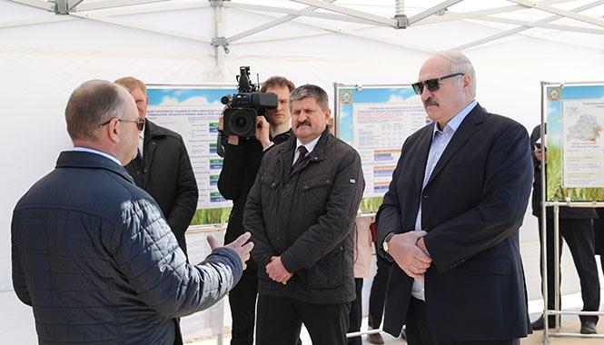 Лукашенко рассказал про господдержку экономики: Денег никто не даст