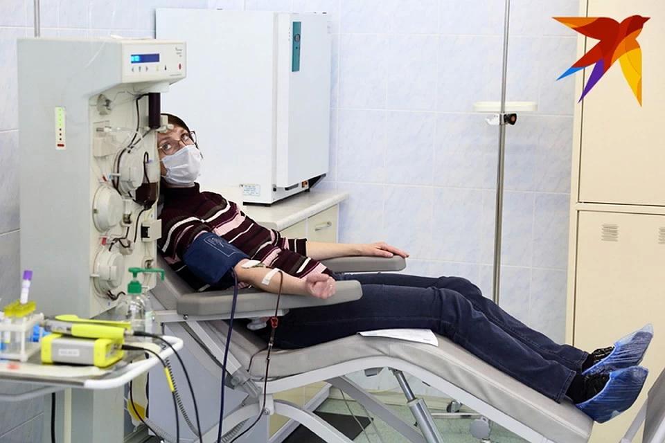 «Я просто хочу, чтобы они жили»: перенесшие коронавирус белорусы рассказали, почему сдают кровь для тяжелых больных — фото